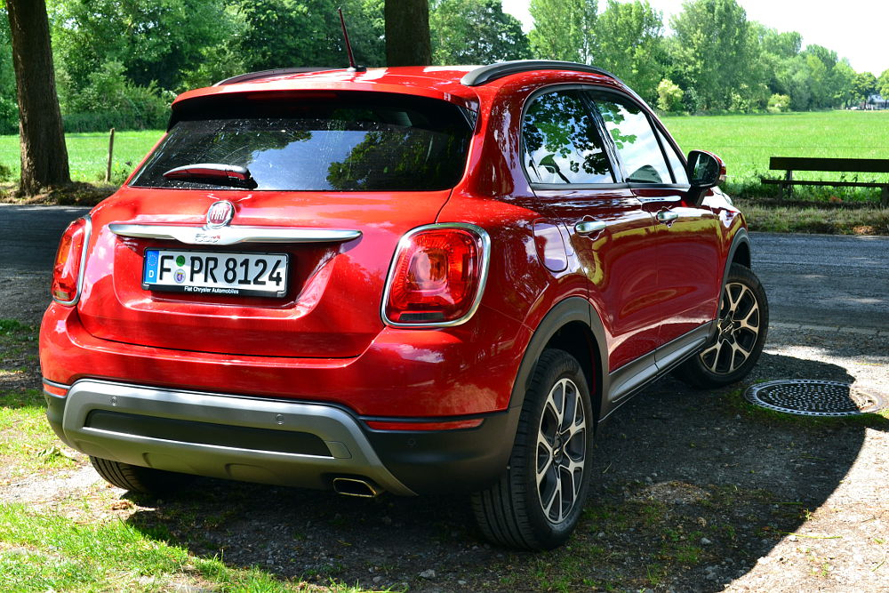 fiat 500x im off road look. Black Bedroom Furniture Sets. Home Design Ideas