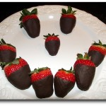 erdbeeren mit schokolade überzogen