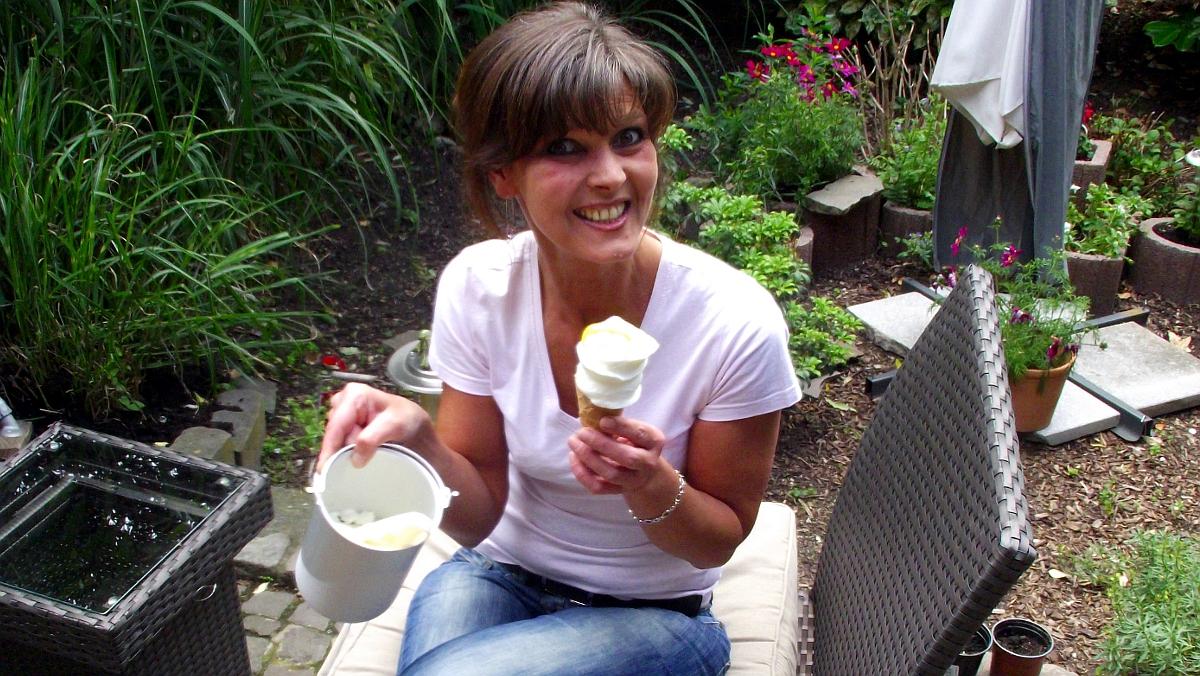 Zitroneneis mit Joghurt